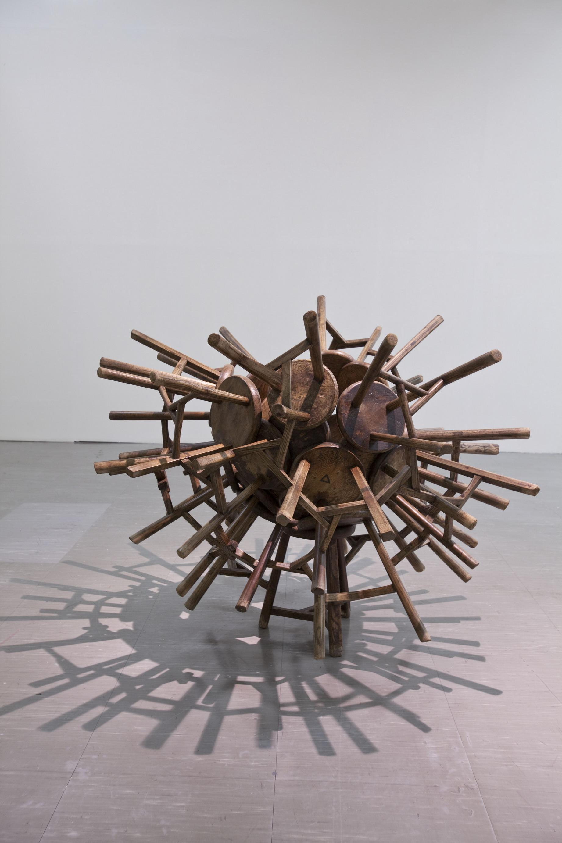 Ai Weiwei | Grapes (32 tabourets@de l'époque Qing) | 2010