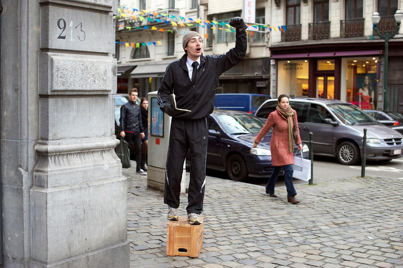 Vue du Soapbox Speaker@de la rue Antoine-Dansaert, à Bruxelles