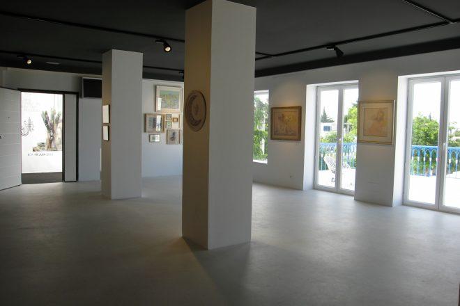 Vue de l'exposition de Jellal Ben Abdallah à la galerie Ghaya