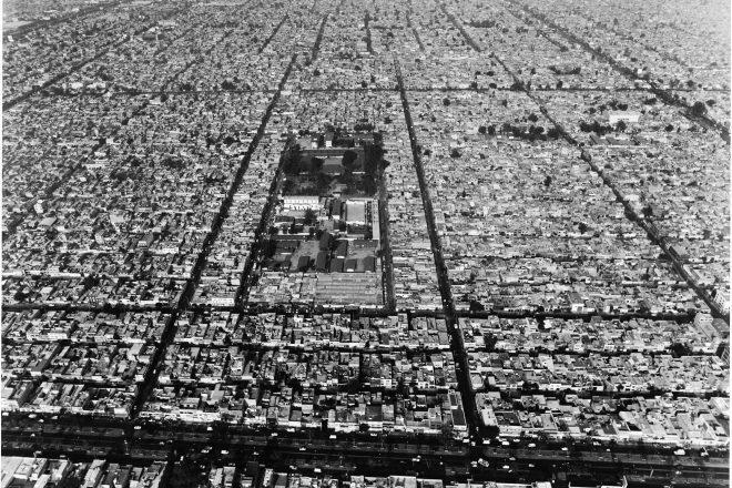 « Photo for Spiral City (I) », Melanie Smith, 2002<br><br>