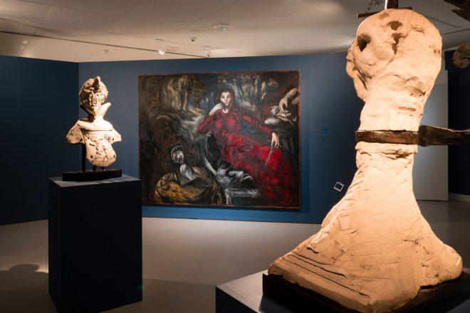 Vue de l'exposition au BAM, à Mons. A l'arrière-plan : «Lucrèce», Gérard Garouste, 1982