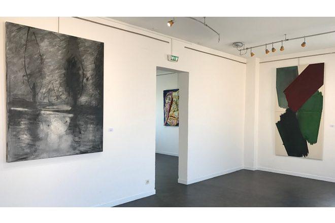 De gauche à droite, «Gaillac» de R. Cosme Esteve et «Sans titre» de S. Fauchier. A l'arrière-plan, «Sans titre» de M. Chichorro
