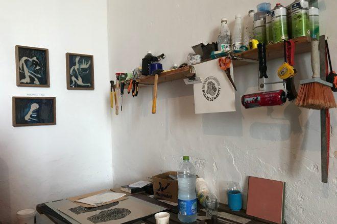Dans l'atelier d'Omar Bey.