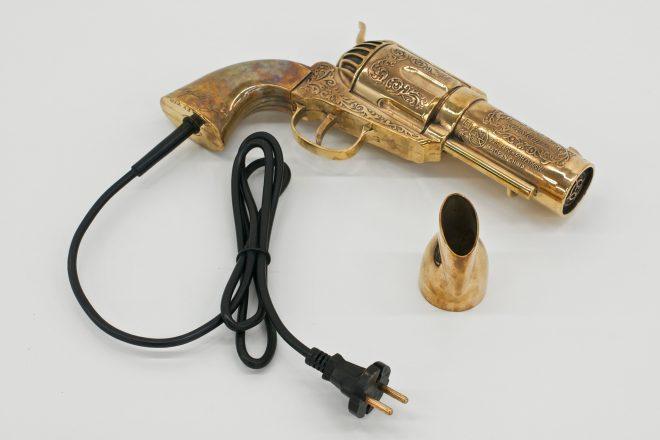 «Revolver», Sylvie Fleury, 2009