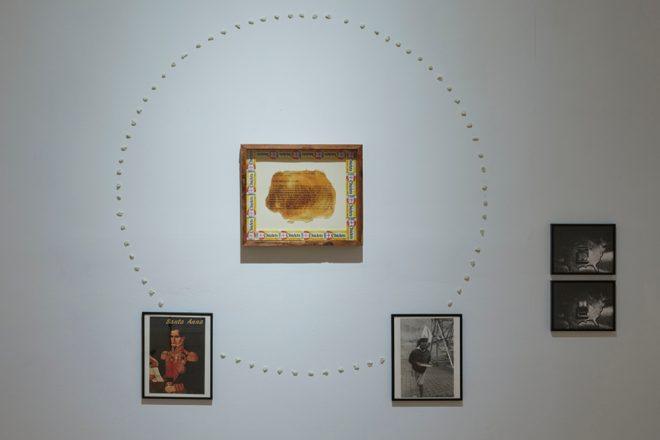 Vue de l'exposition «Hospice of Failed Utopias» au Museo Reina Sofia, Luis Camnitzer, 2018