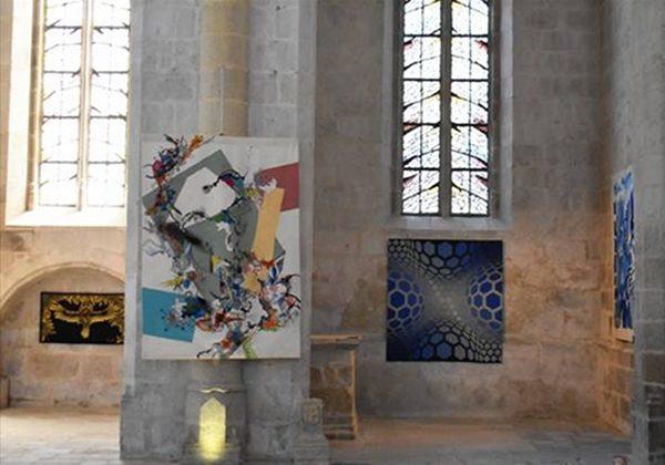 Vue de l'exposition «La Maison Pinton» à l'église du château de Felletin