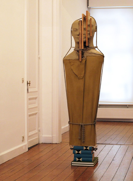 Mark Manders | Large Figure wih Thin Newspaper | 2010
