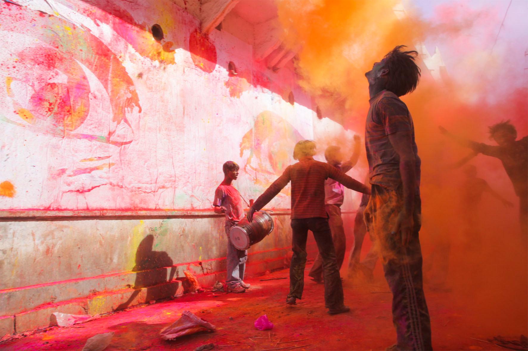 28 Millimètres, Women Are Heroes, action à Jaipur pendant la fête de Holi, Inde