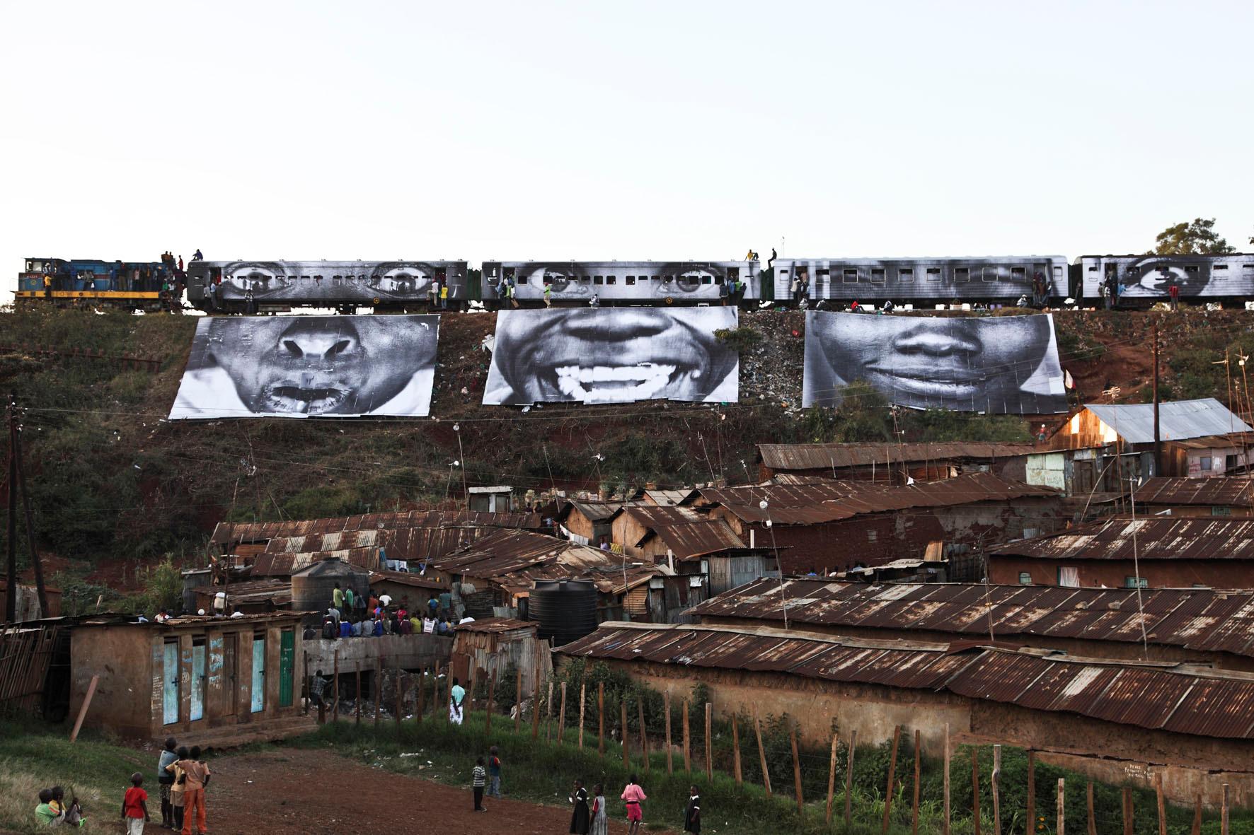 28 Millimètres, Women Are Heroes, action à Kibera, au Kenya, Passage du train 1