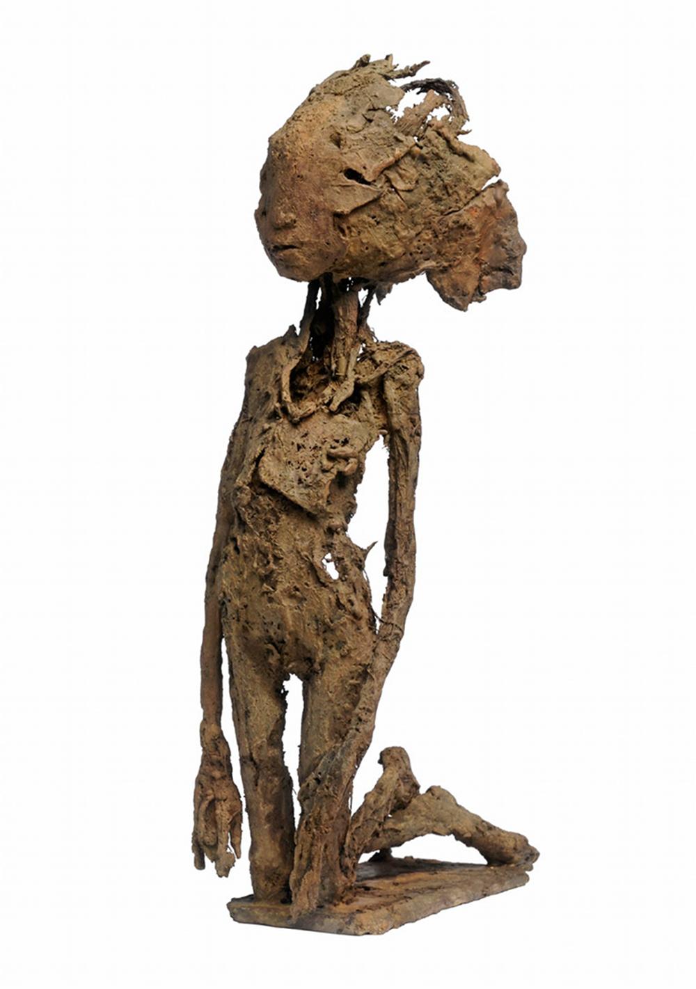 A genoux, bronze, pièce unique (28 cm de hauteur)