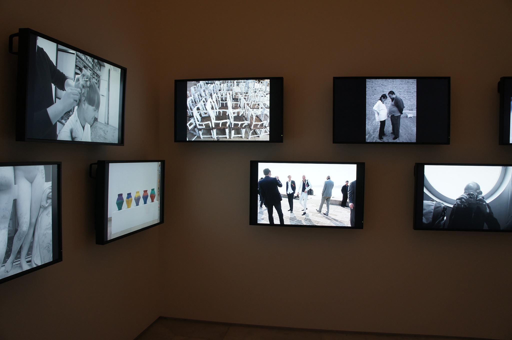 Vue de l'exposition Résistance et Tradition, Séville