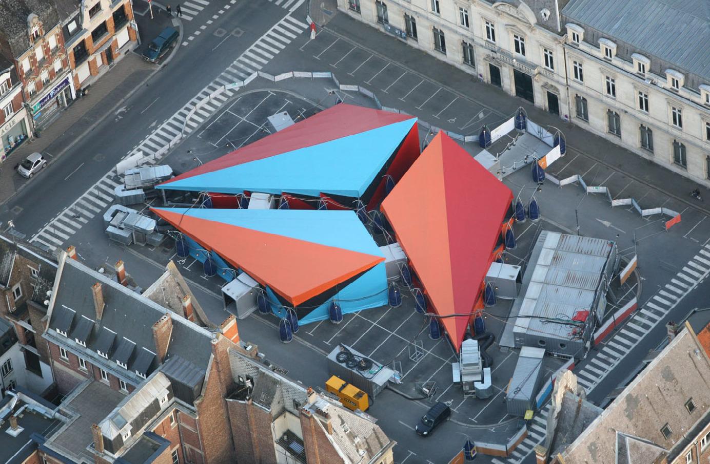 Le Centre Pompidou mobile@à Cambrai en 2012