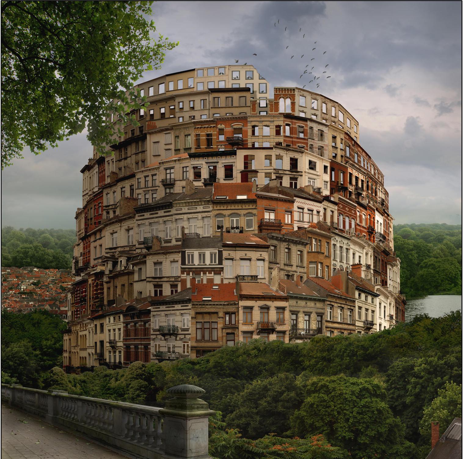 La Tour de Bruxelles, œuvre issue d'une série de six@photographies couleurs@(140 x 140 cm)