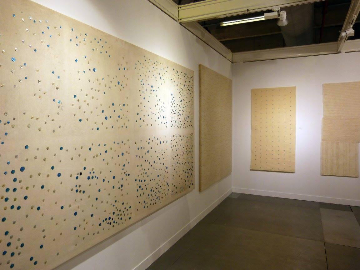 Vue de l'accrochage dédié@à Hessie sur le stand@de la galerie Arnaud Lefebvre, foire Officielle ||