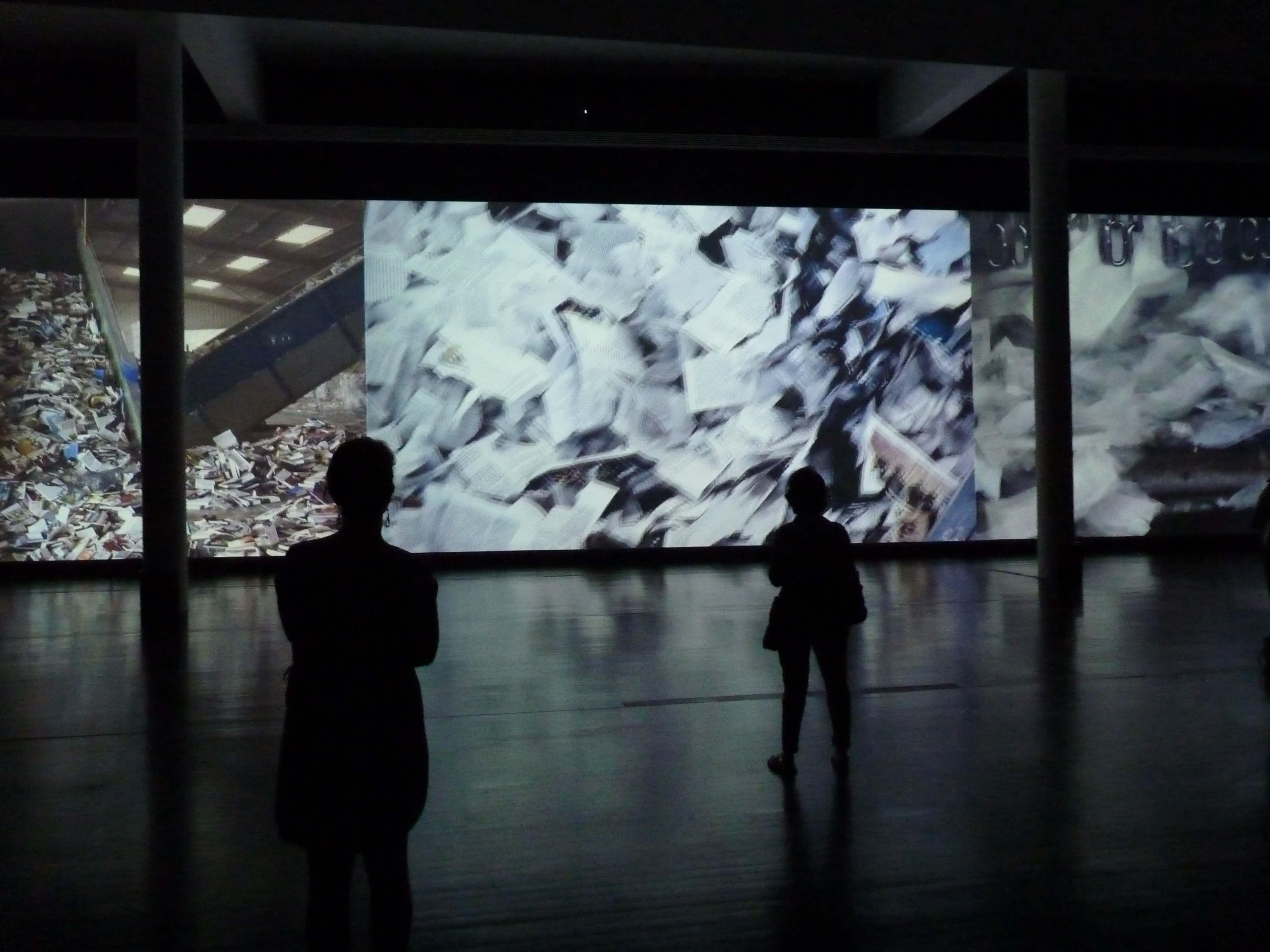 Ad Nauseam, installation vidéo et son