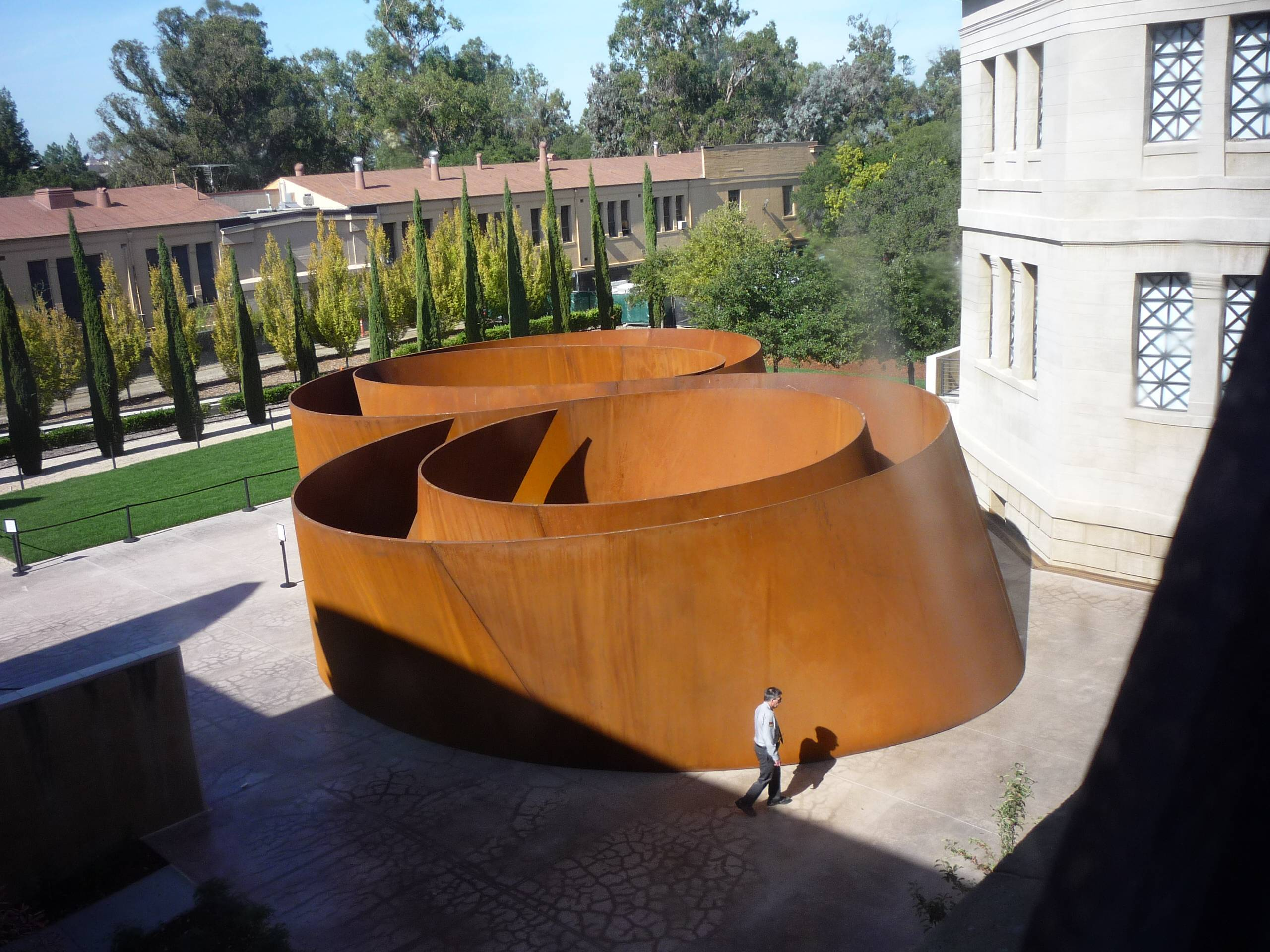 Sequence, présentée durant l'été 2011@ au centre d'art Cantor de l'université@ de Stanford aux Etats-Unis