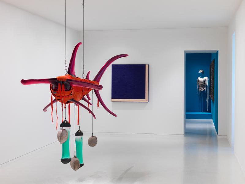 Vue d'exposition à la villa Paloma, Orange Shark, Ashley Bickerton et@ Study for well known, Rosemarie Trockel