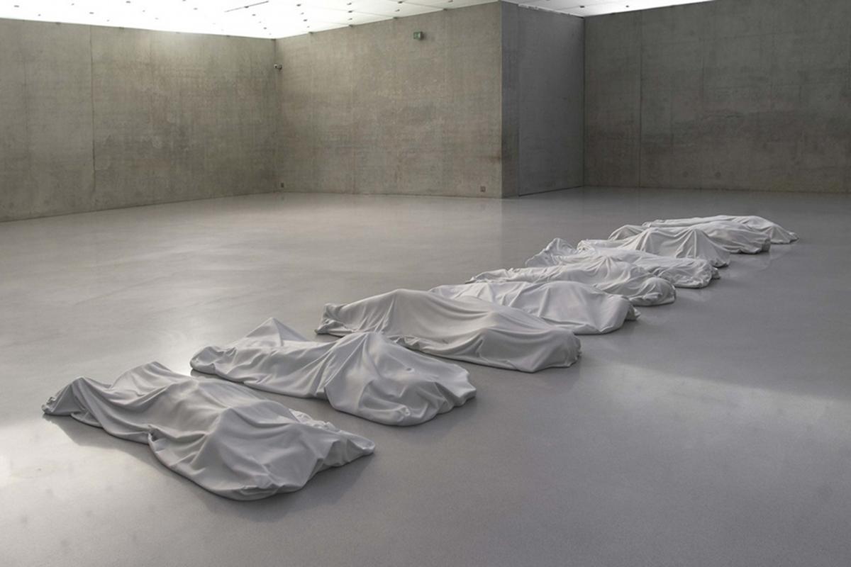 All, neuf sculptures de marbre