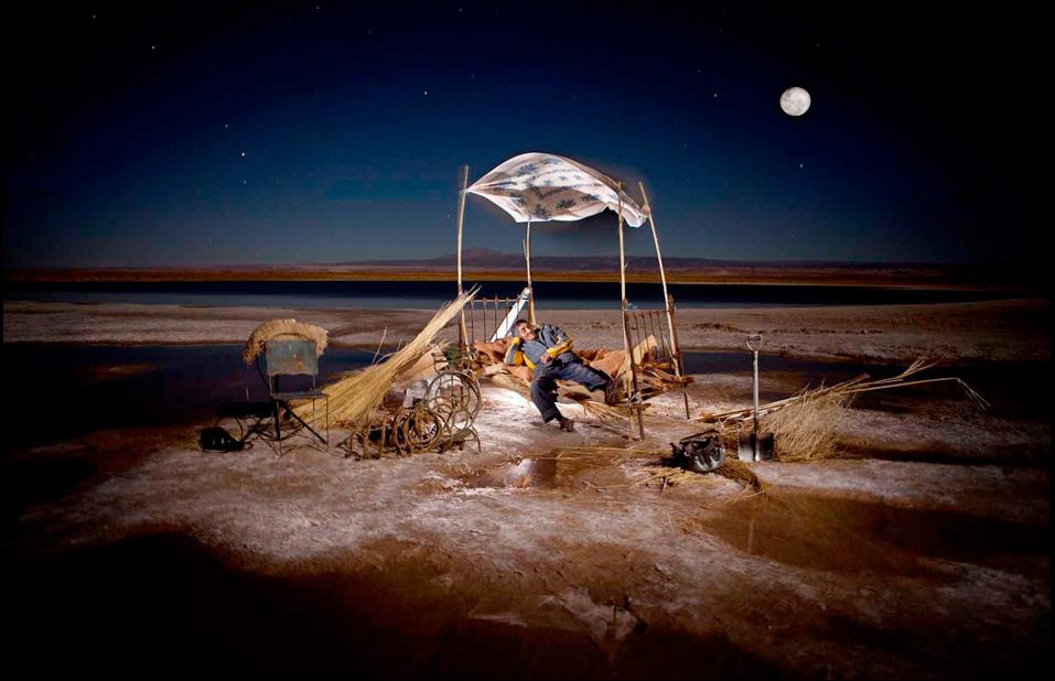 Nicolas Henry | Gerardo Coca, désert de sel de l'Atacama, Chili.|