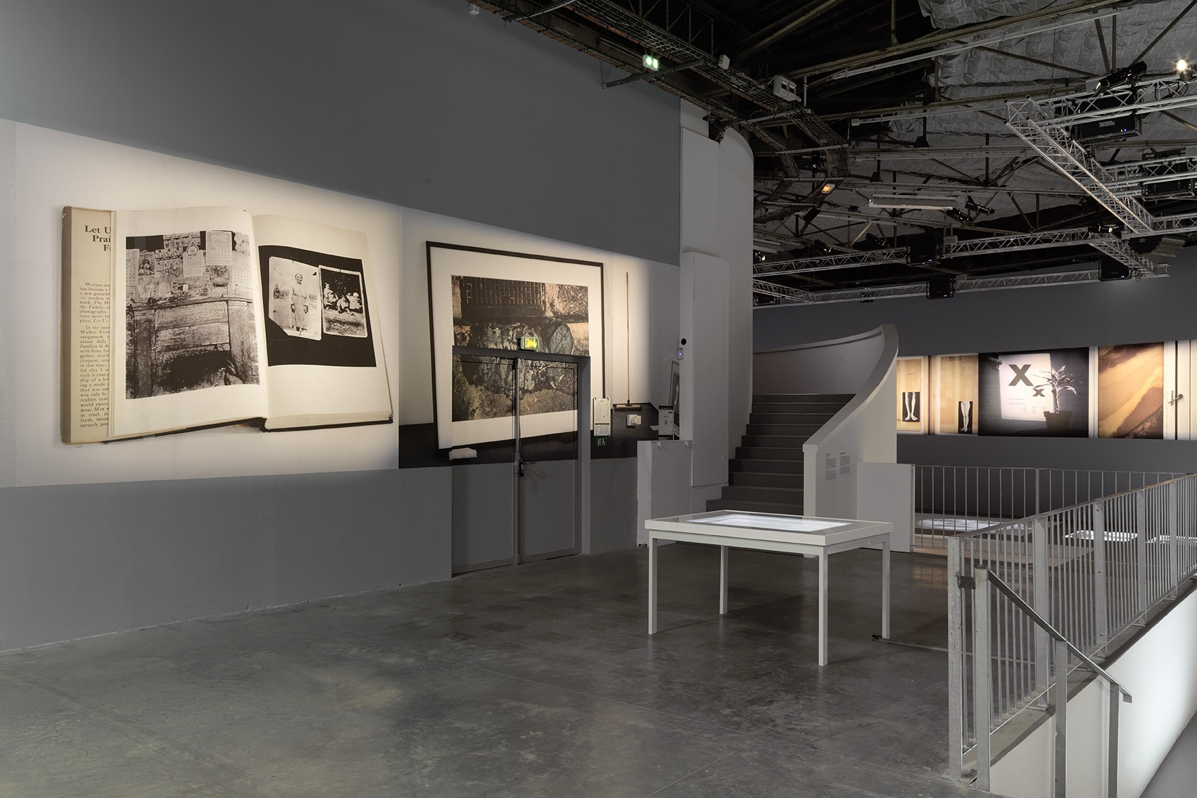 Nouvelles Histoires de fantômes, vue d'exposition@au Palais de Tokyo