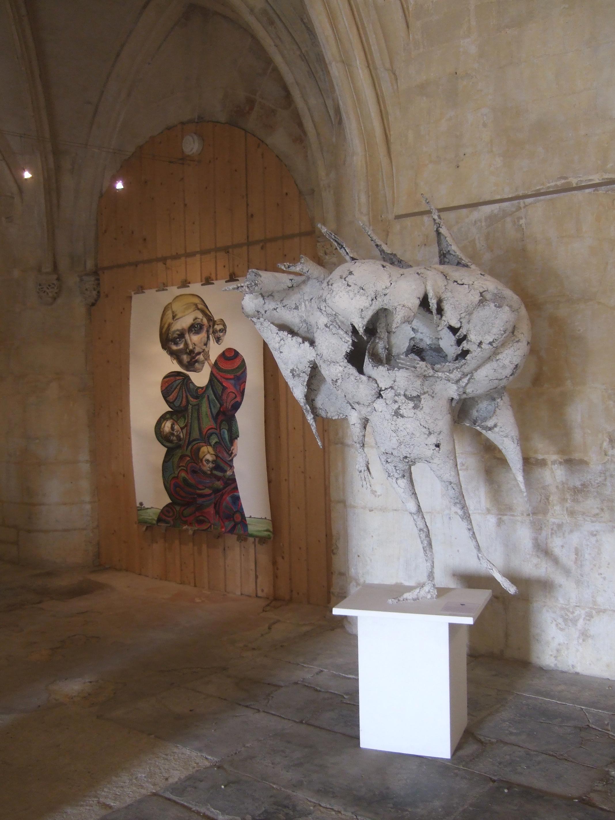 Toile d'Edwige Blanchatte, sculpture de Marc Touret ||