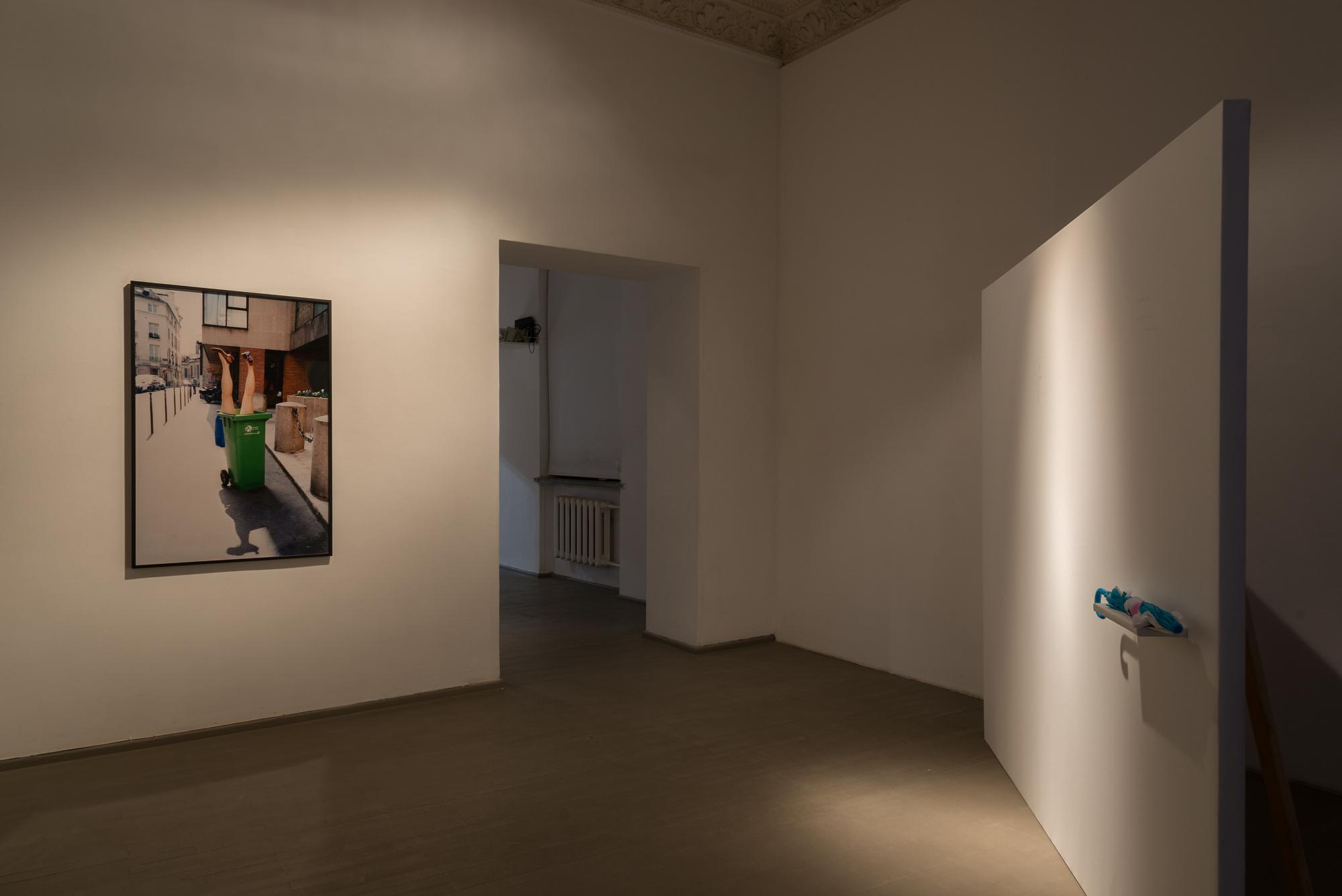 Vue de l'exposition Interpretation@à la Galerija Vartai